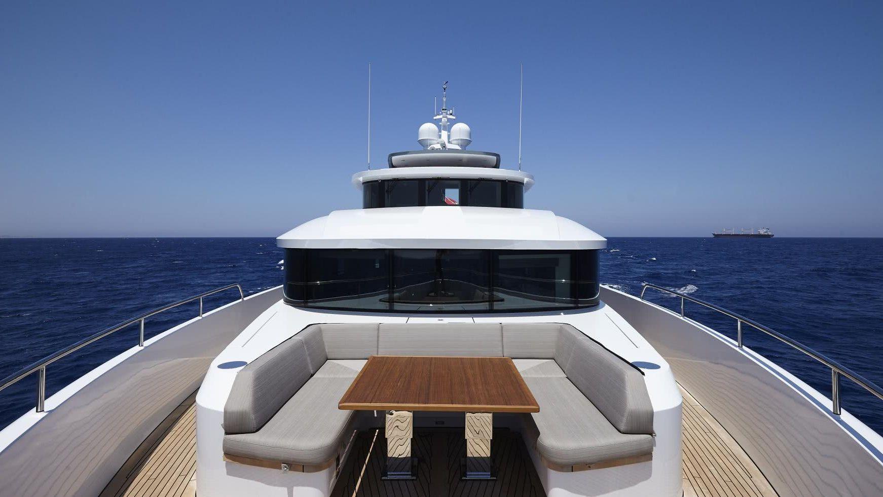 Bijoux Yacht Moonen