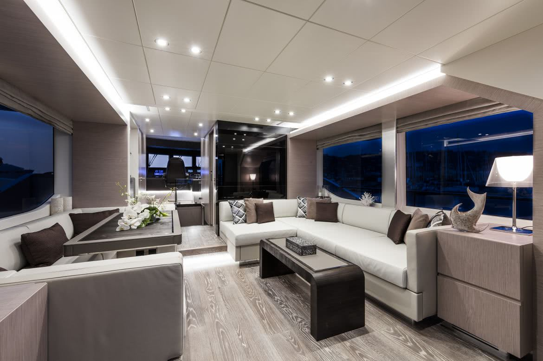 Oceanic 76 Bull Yacht Interior