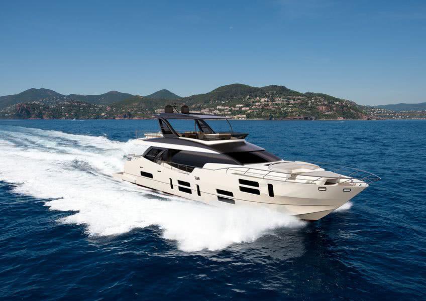 Canados 808 Maximus Motor Yacht