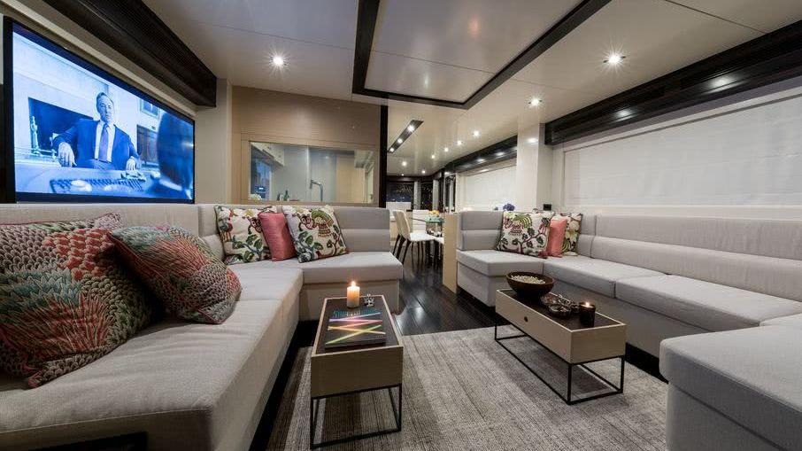 Sirena 64 Motor Yacht Interior