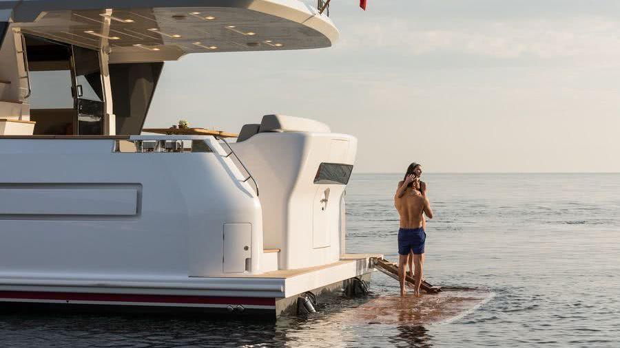 Sirena 64 Motor Yacht