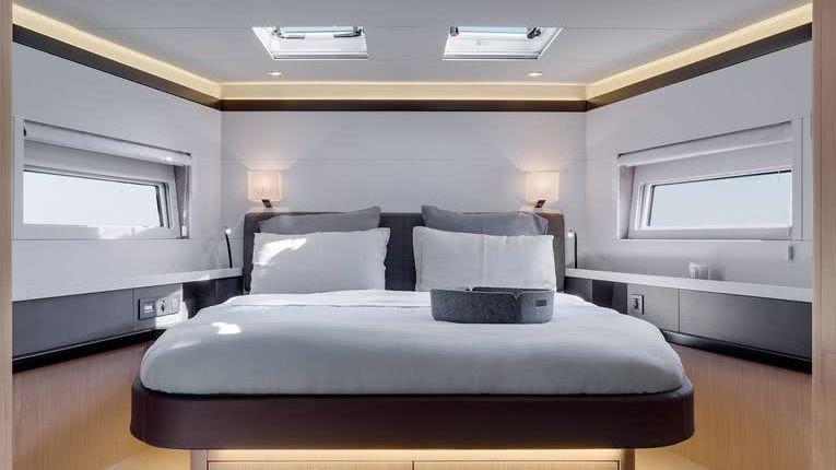 Beneteau Oceanis 62 Sailing Yacht Interior