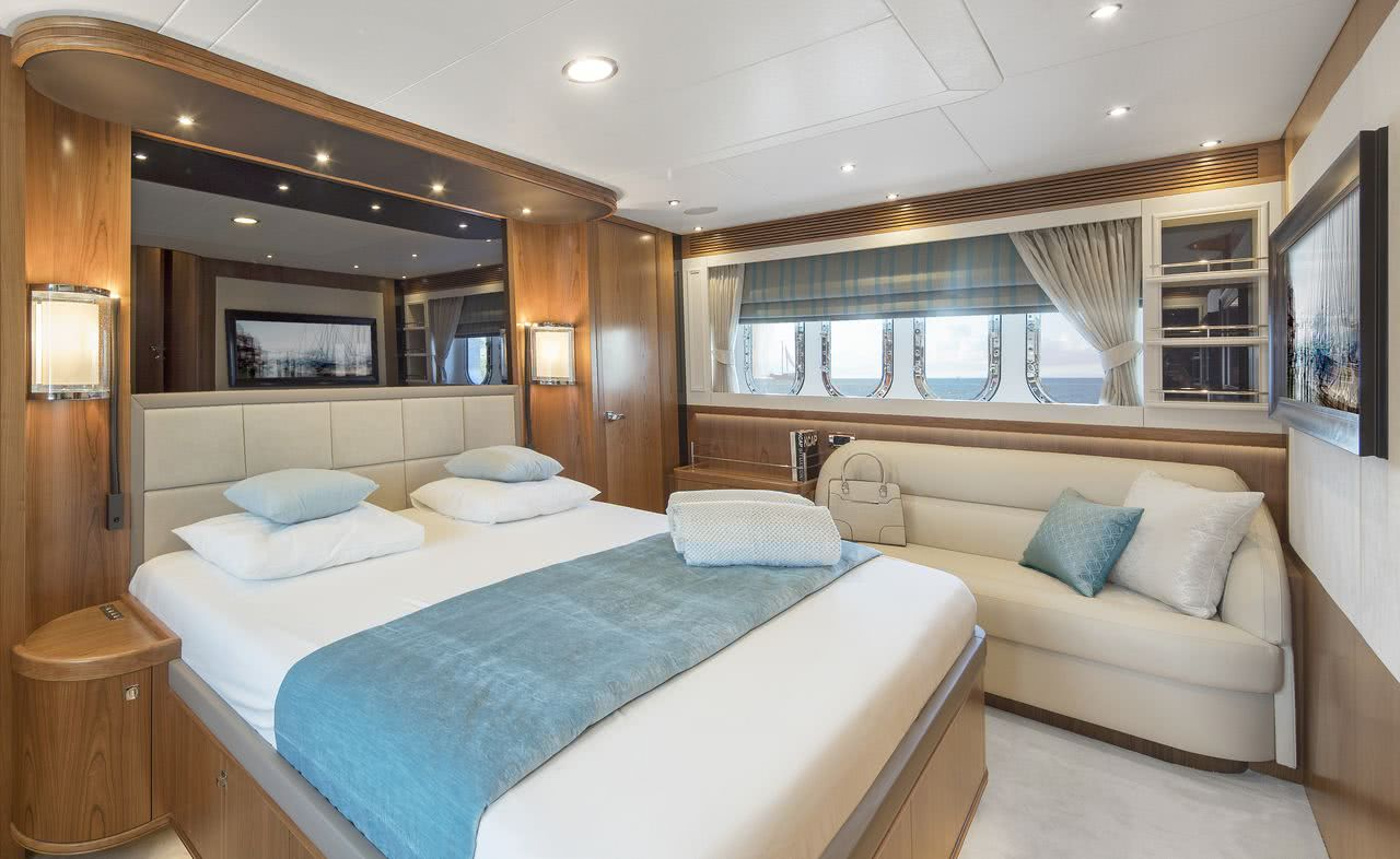 Motor Yacht Anemeli Van der Valk Interior