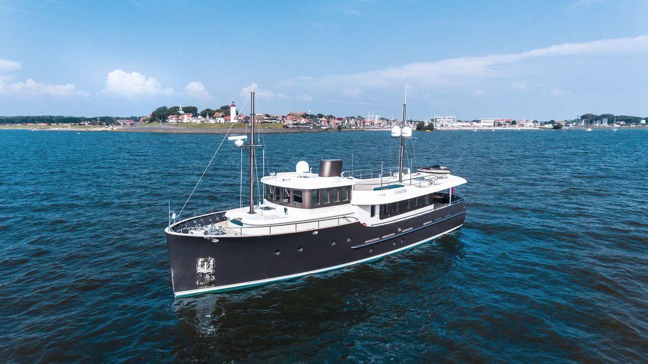 Motor Yacht Livingstone Hartman Yachts