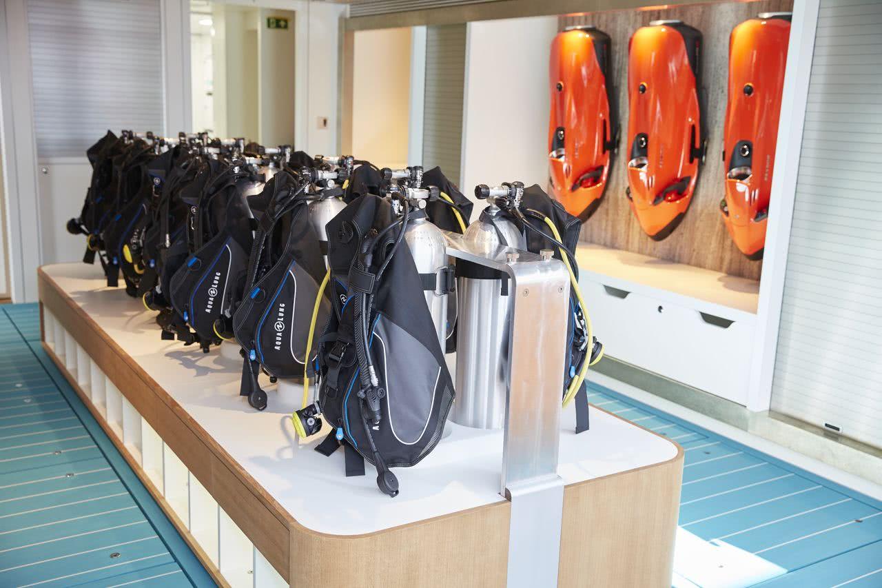 Samaya Feadship Motor Yacht Diving Center