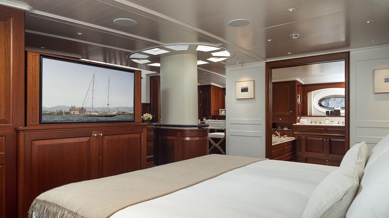 Owner Sailing Yacht AQUARIUS Royal Huisman
