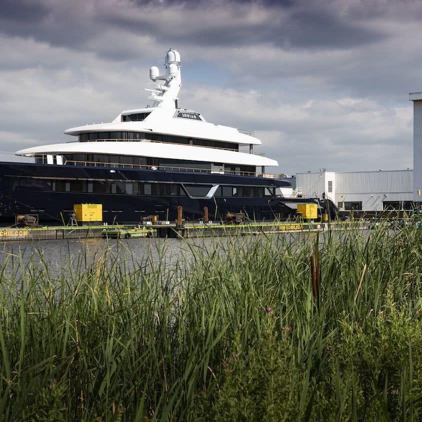 Motor Yacht Lonian Feadship