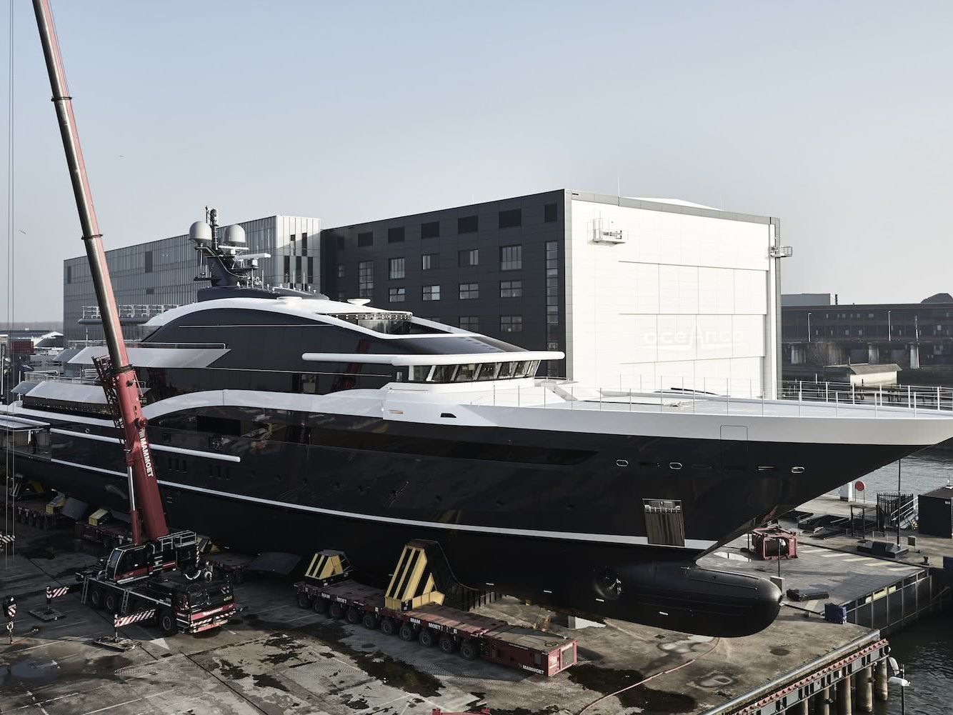 Motor Yacht DAR Oceanco