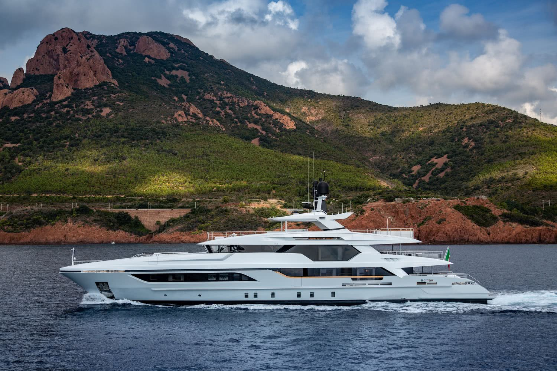 Silver Fox Motor Yacht Baglietto 48m T-Line