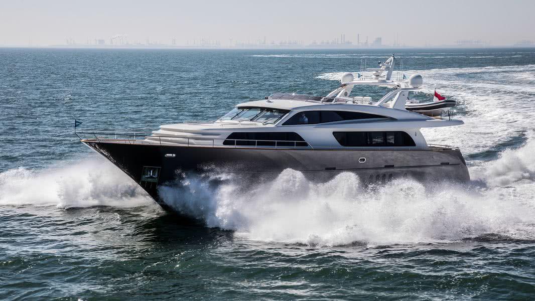 Nicostasia motor yacht van der valk