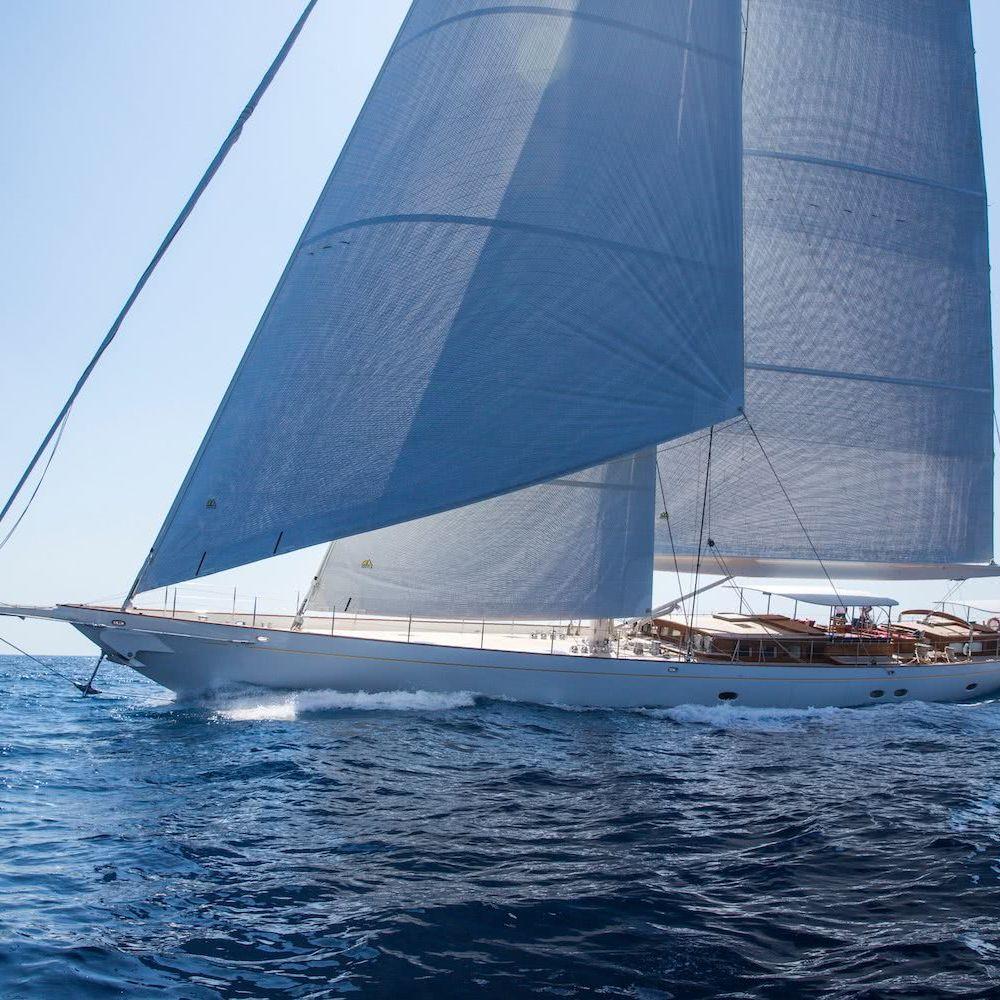 Sailing Yacht Vijonara Truly Classic 128