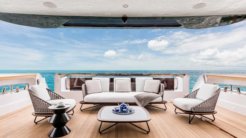 Custom Line 120 Motor Yacht Interior