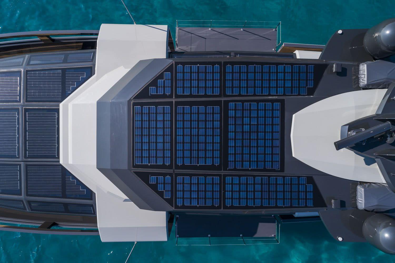 Arcadia A105 Motor Yacht Solar Cells