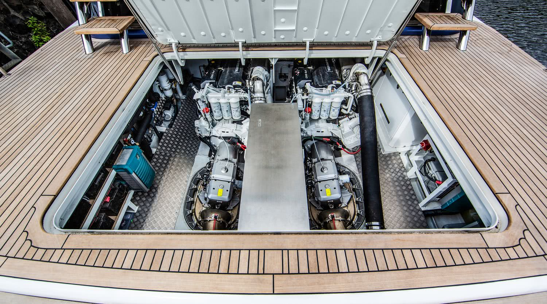 BeachClub 600 Motor Yacht Van der Valk
