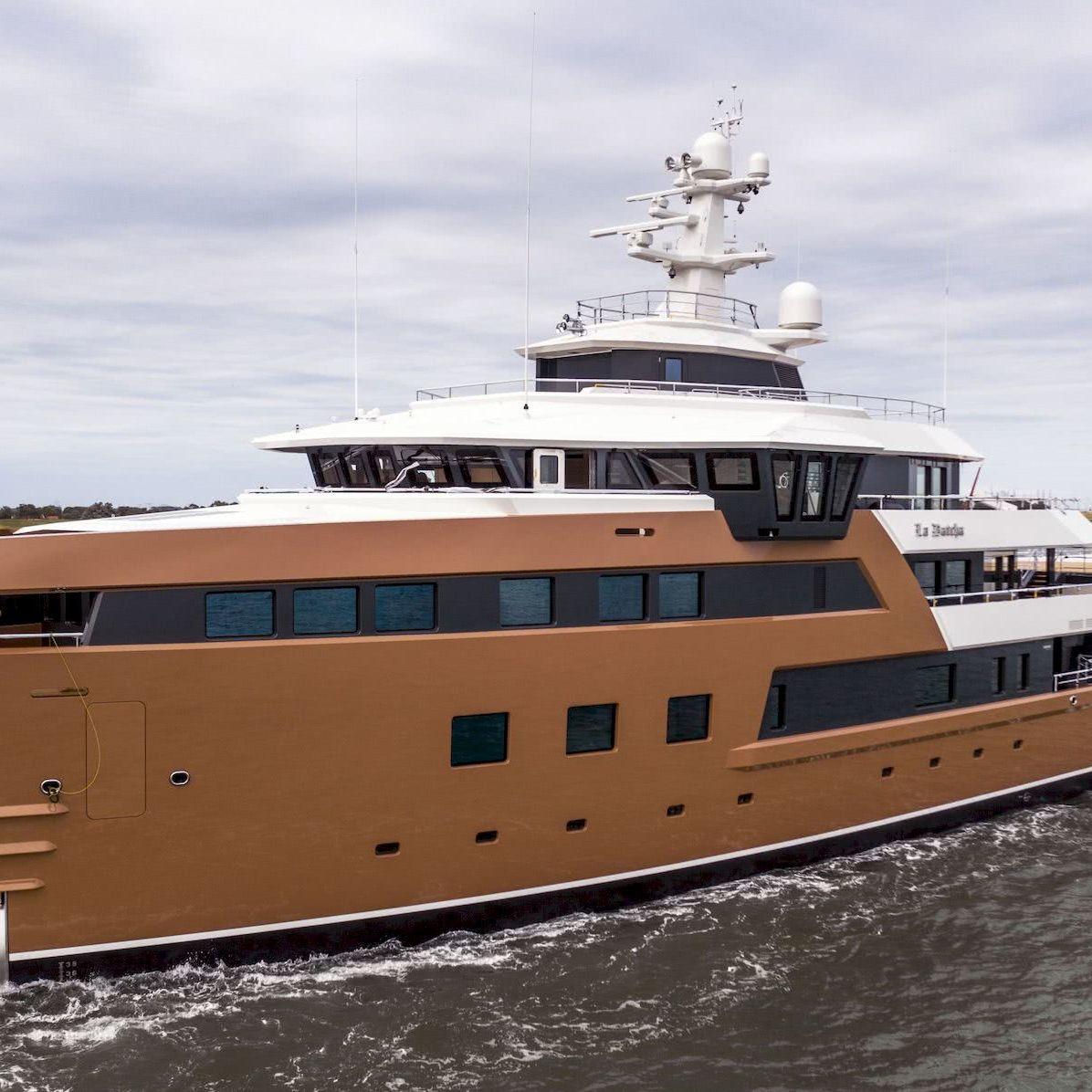 La Datcha Yacht Damen SeaXplorer