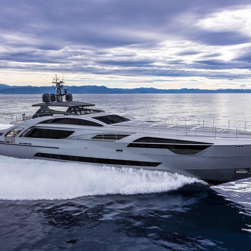 Pershing 140 Motor Yacht