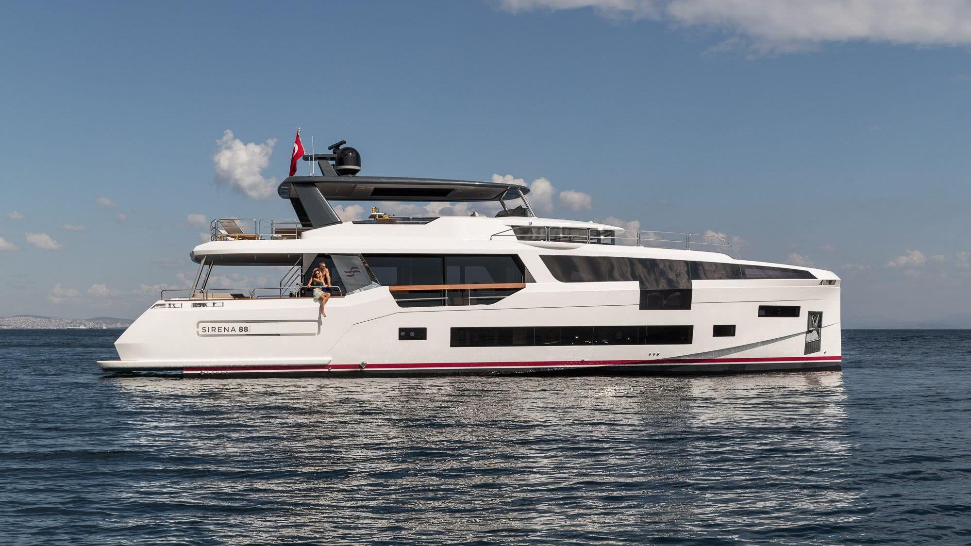 Sirena 88 Motor Yacht