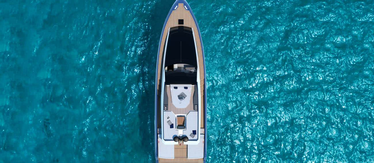 Phoenix Open Fly Yacht