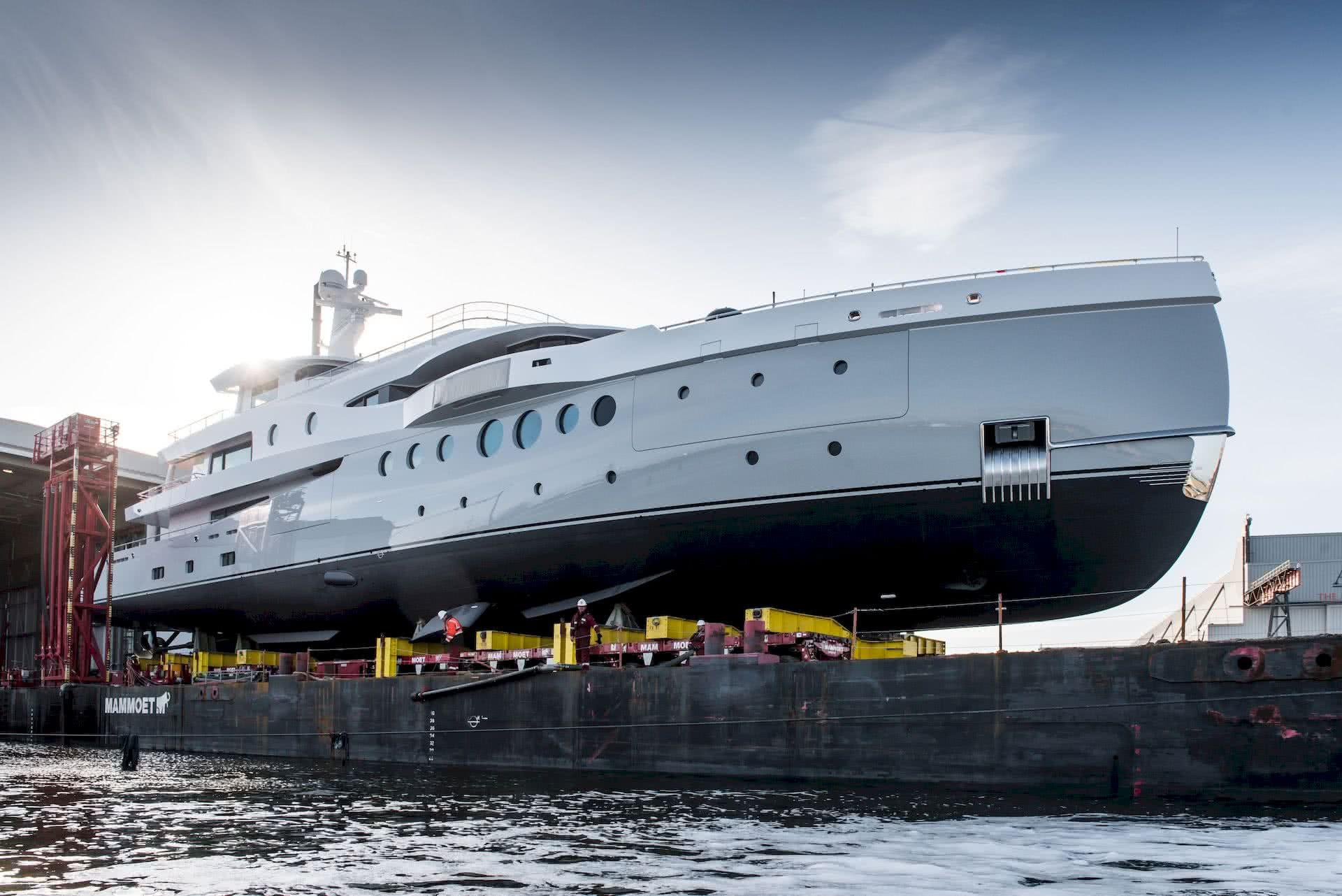 Amels 206 Motor Yacht