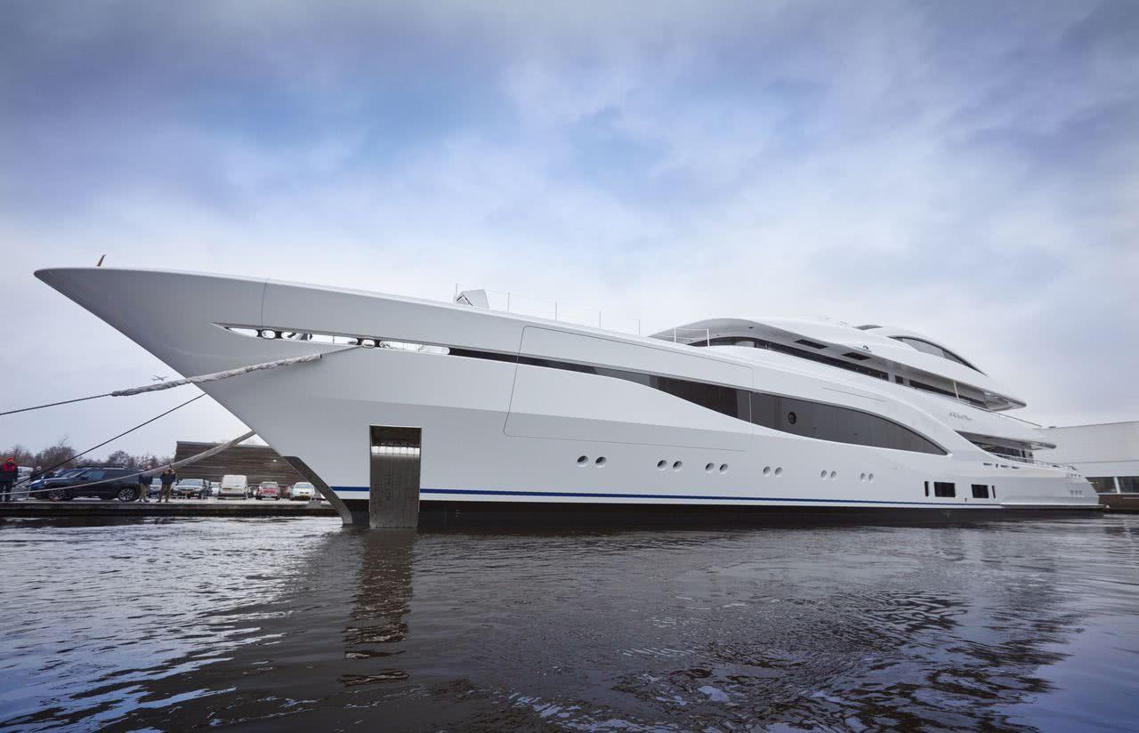 Arrow Yacht Feadship 703