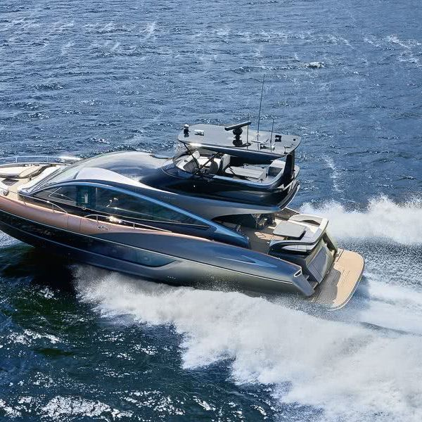 Lexus Yacht LY 650
