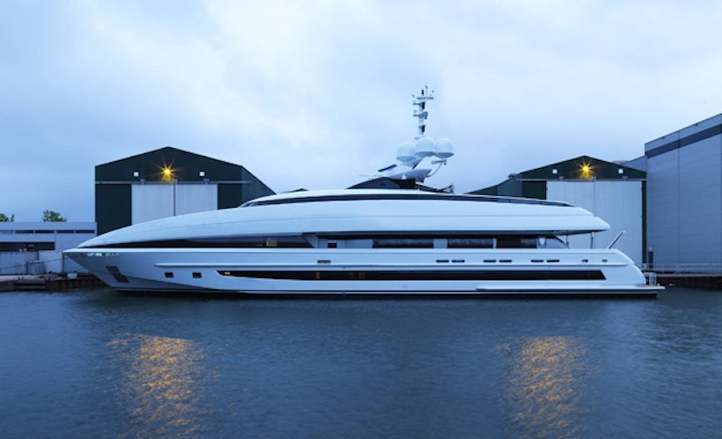 Crazy Me Yacht