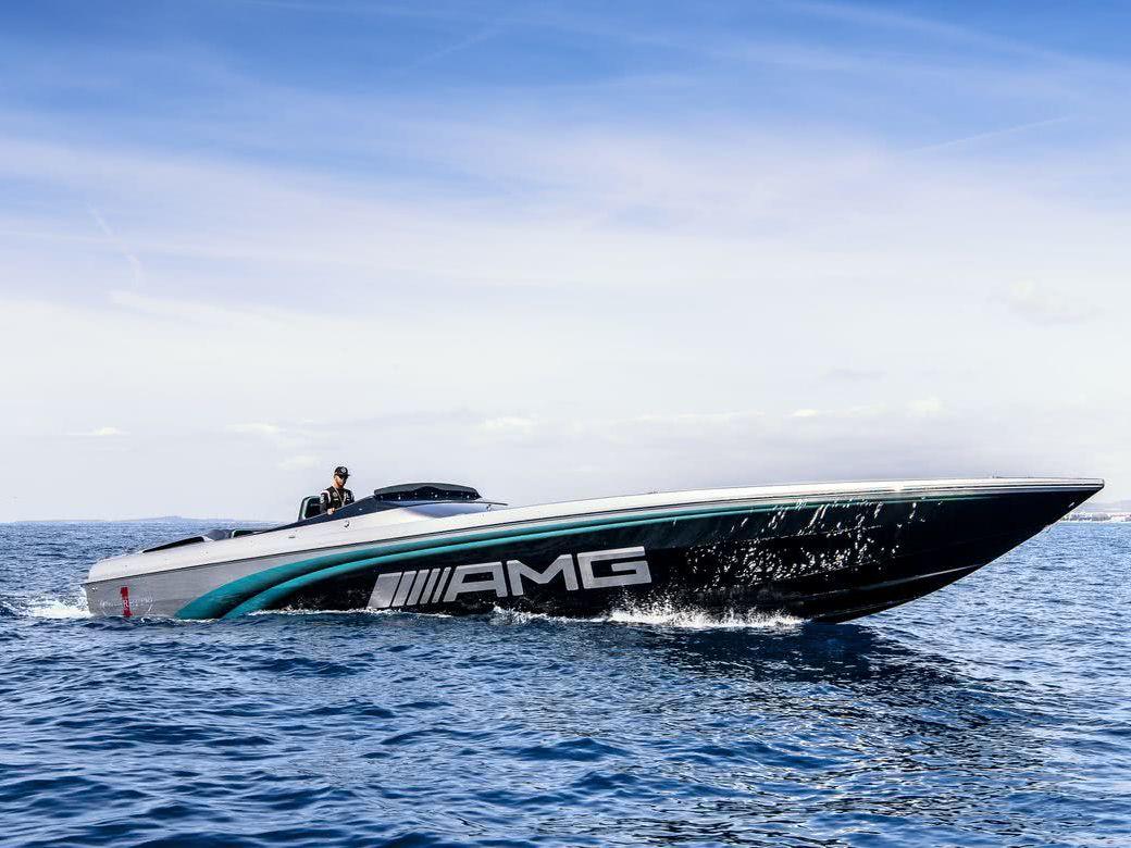 Mercedes-Benz-Yacht-Arrow460-2