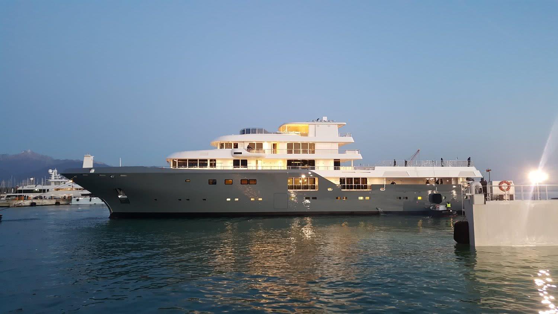 Planet-Nine-Yacht-Explorer