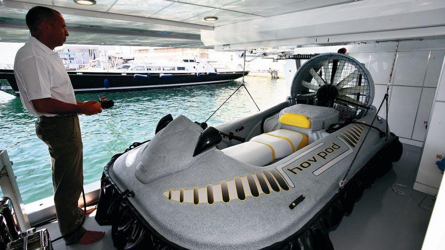 Exuma Yacht Hovercraft
