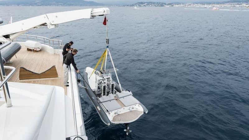 I-NOVA Yacht Cosmo Explorer Tender