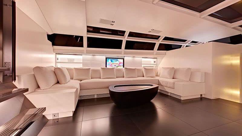 Main Salon Chrisco Yacht wetzels brown partners