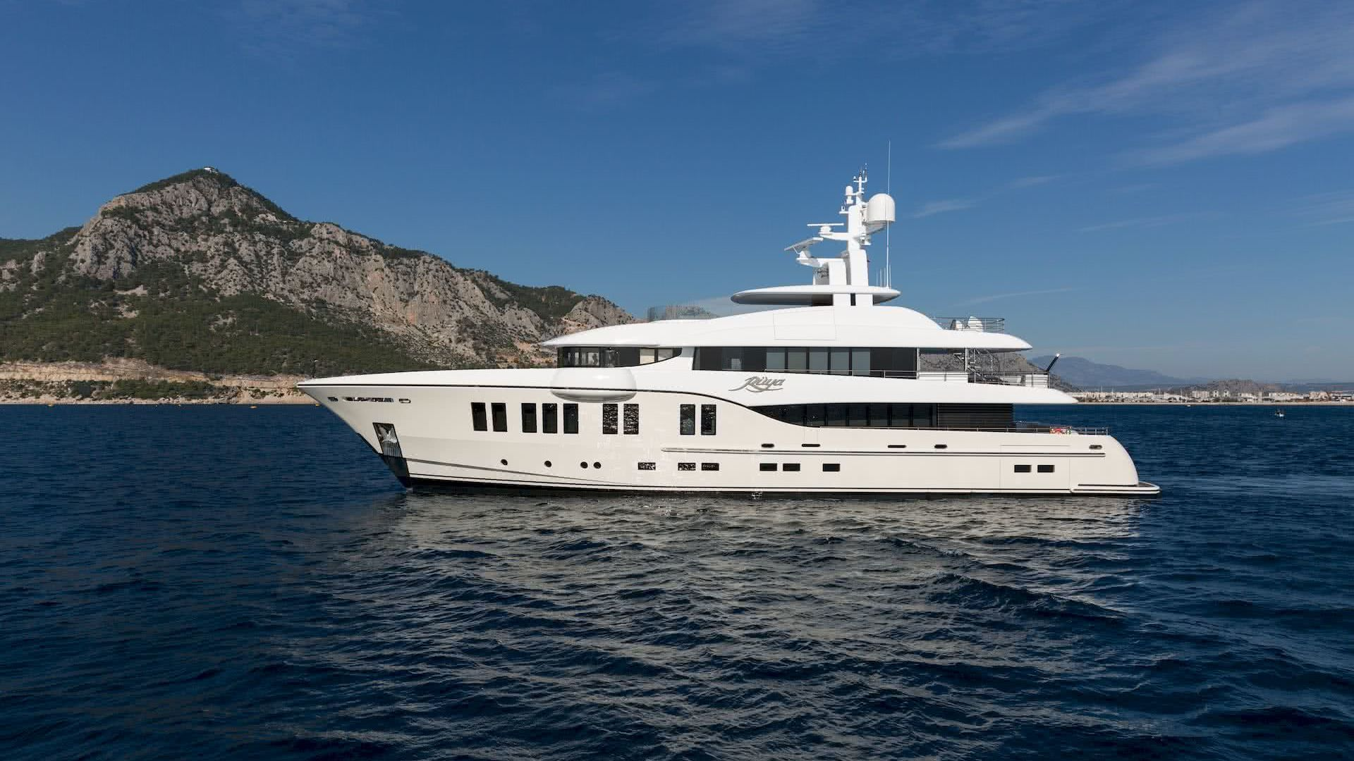 Ruya Yacht Sam Sorgionanni Design