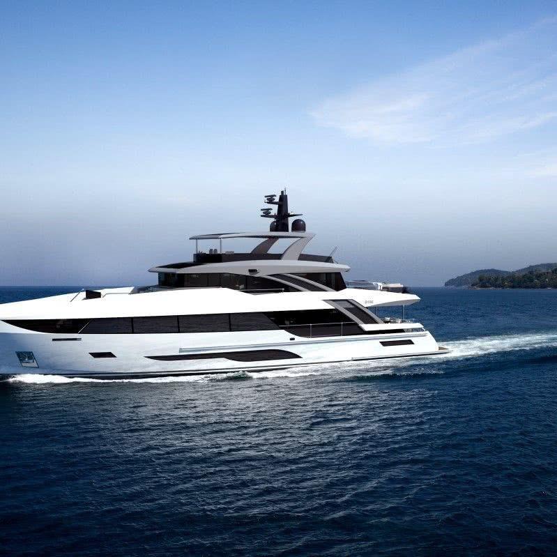 Bering 106 Motor Yacht
