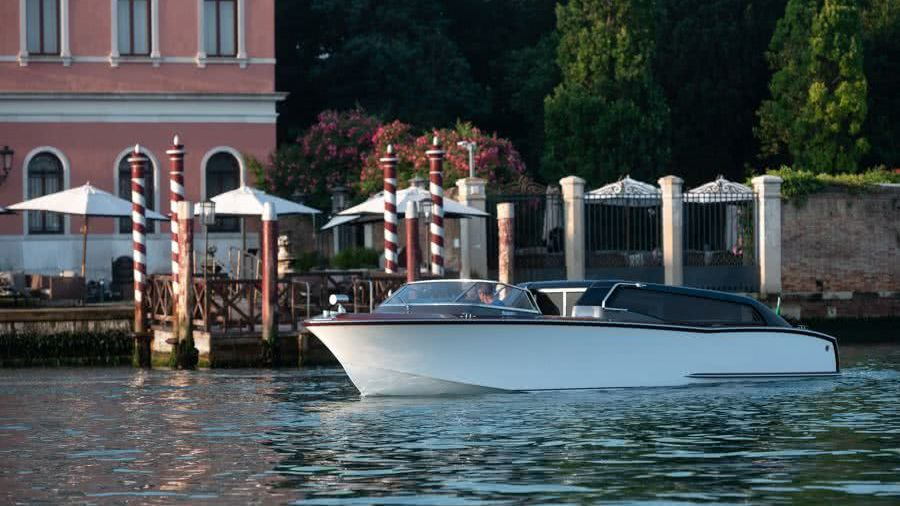 Thunder Venetian Hybrid Water Taxi Nuvolari Lenard