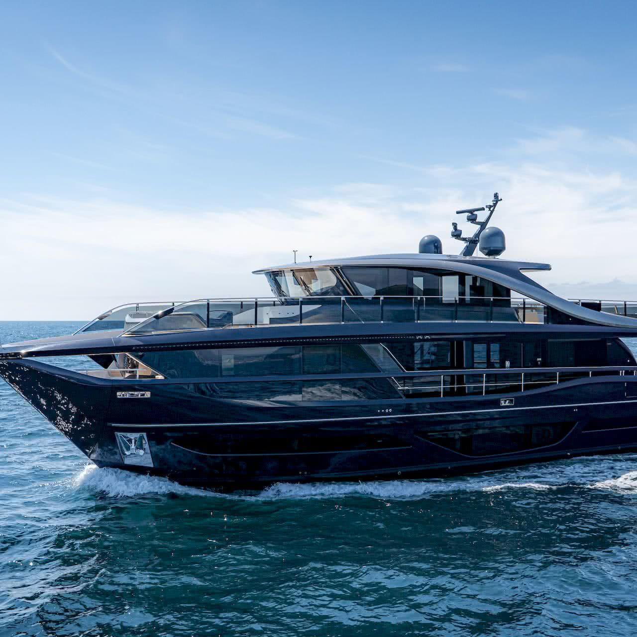 Princess X95 Yacht