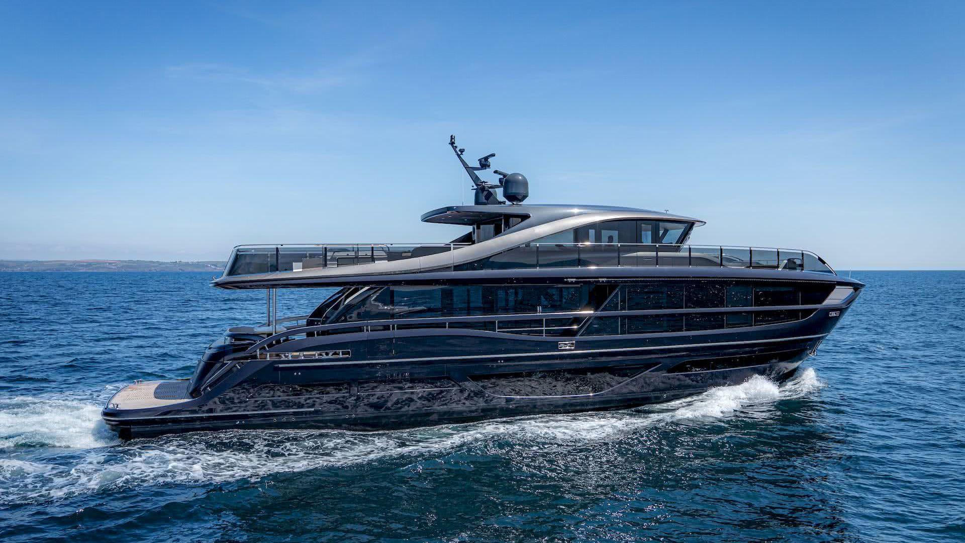 Princess X95 Yacht Olesinski Yacht Design Pininfarina