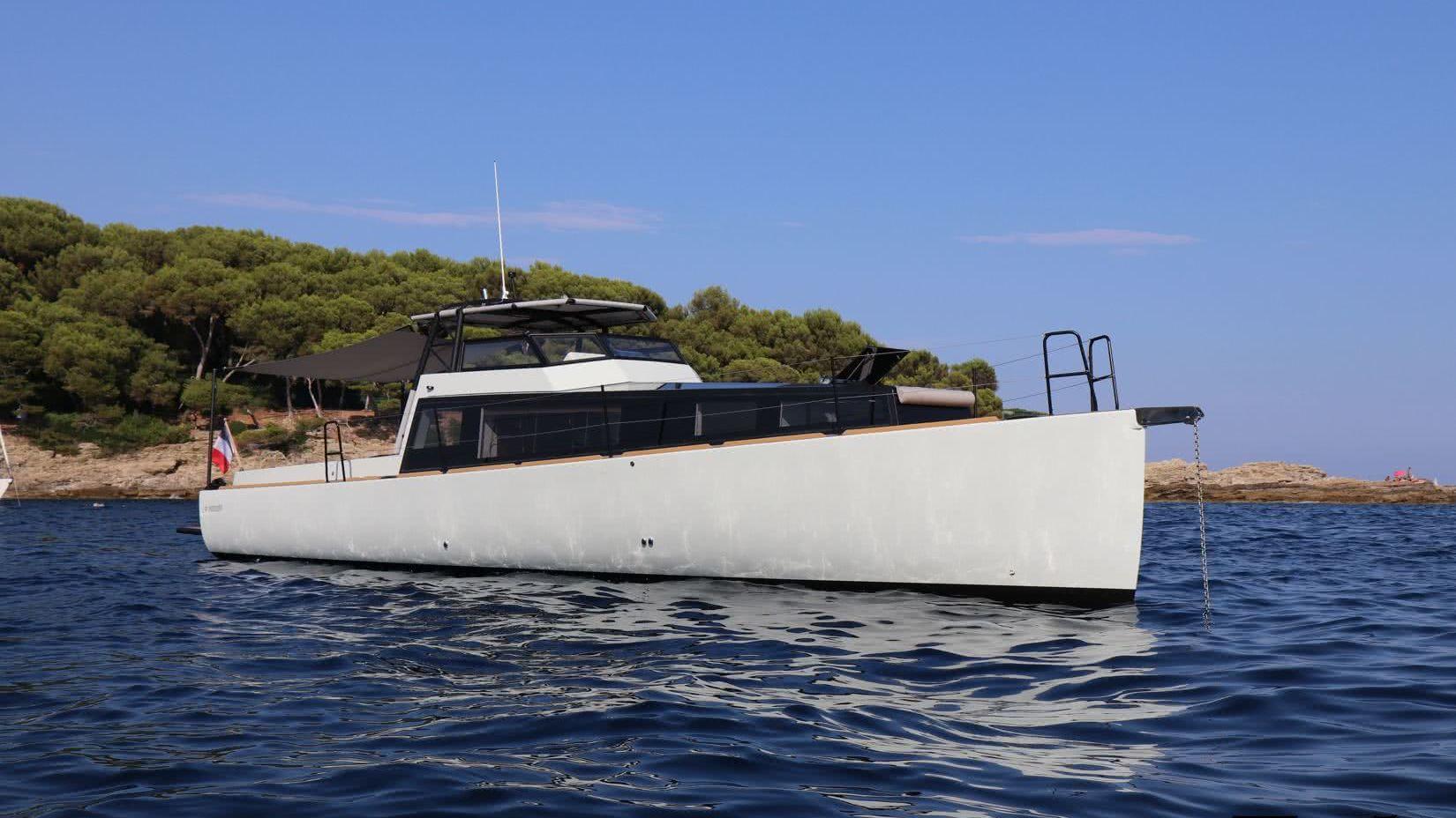 Silverfin Yacht Turbocraft